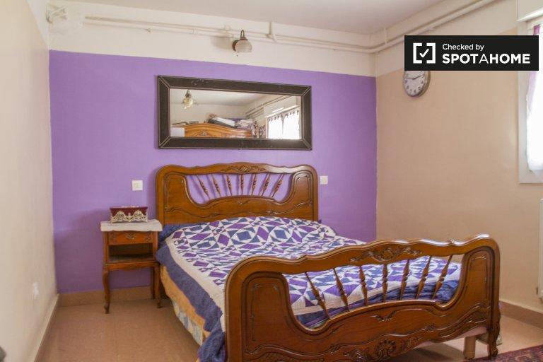 Ogromny pokój w apartamencie z 2 sypialniami w Créteil w Paryżu