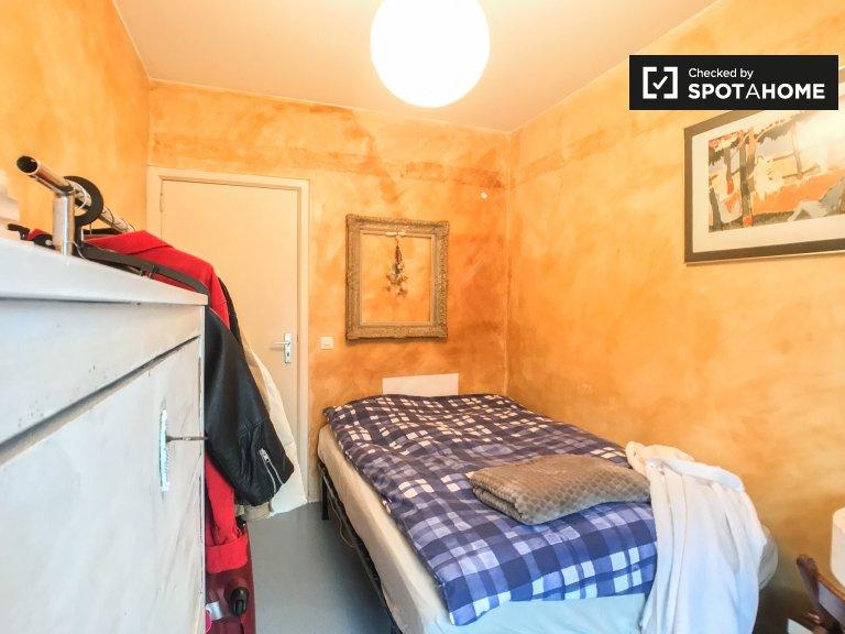 Relaxante quarto em apartamento em Uccle, Bruxelas