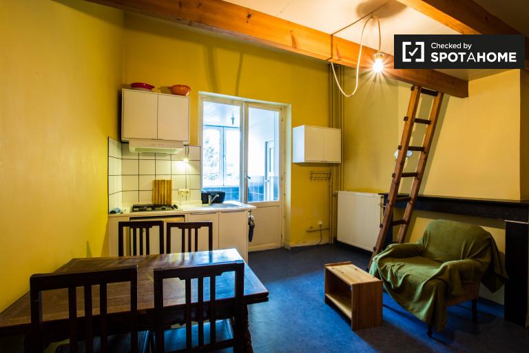 Studio à louer pour travailleurs à Etterbeek, Bruxelles