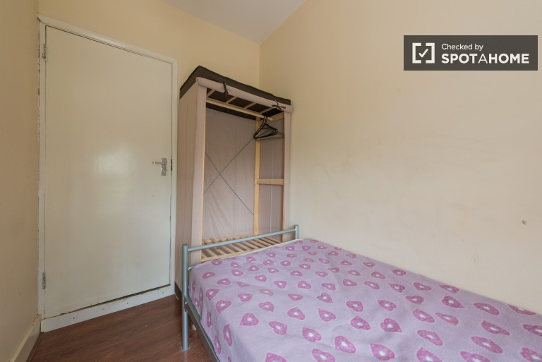 Bedroom 6 with single bed and ensuite bathroom
