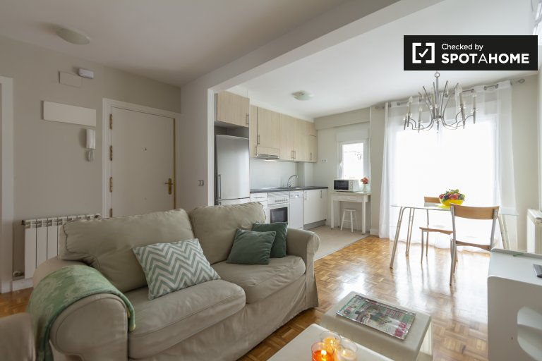 Inviting 2-bedroom apartment for rent, Tetuán, Madrid