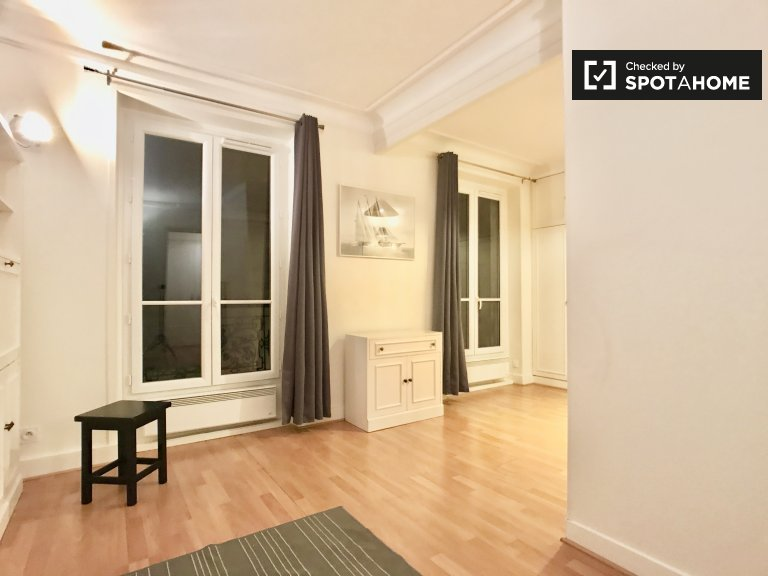 Chic 1-bedroom apartment for rent, the 18th arrondissement