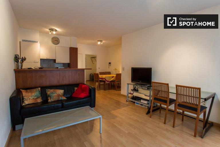 Słoneczny 1-pokojowy apartament do wynajęcia w Woluwe Saint Lambert