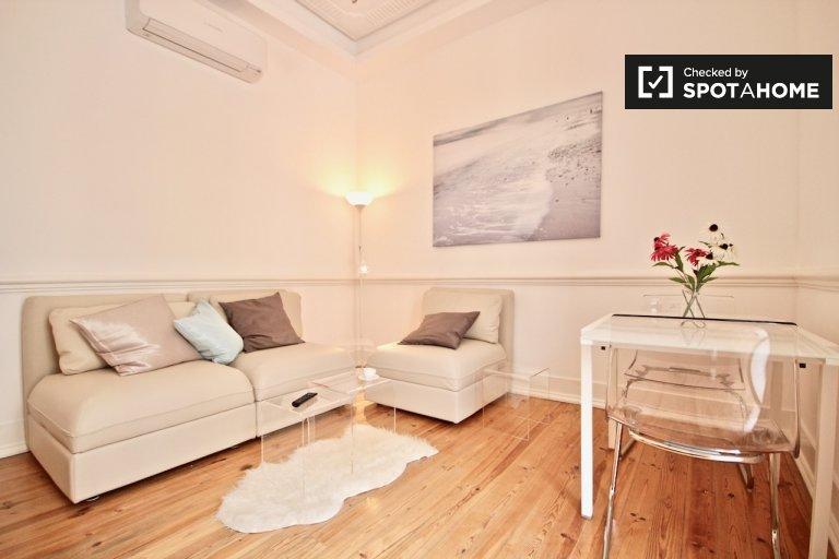 Bellissimo appartamento con 3 camere da letto in affitto ad Arroios, Lisbona