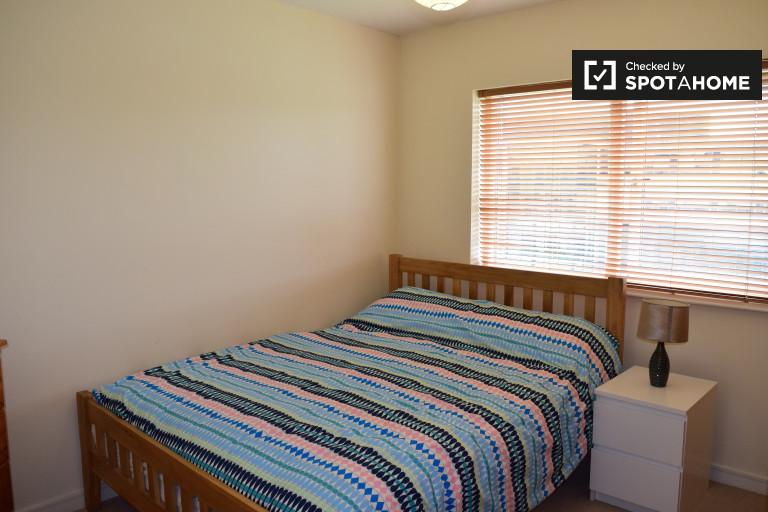 Quarto acolhedor em apartamento de 2 quartos em Santry, Dublin