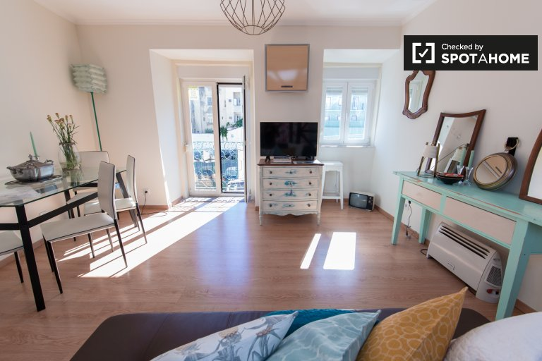 Studio apartment for rent in Arroios, Lisbon