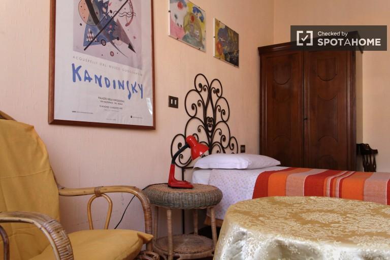 Duże pokoje do wynajęcia w 3-pokojowym mieszkaniu w Parioli, Rzym