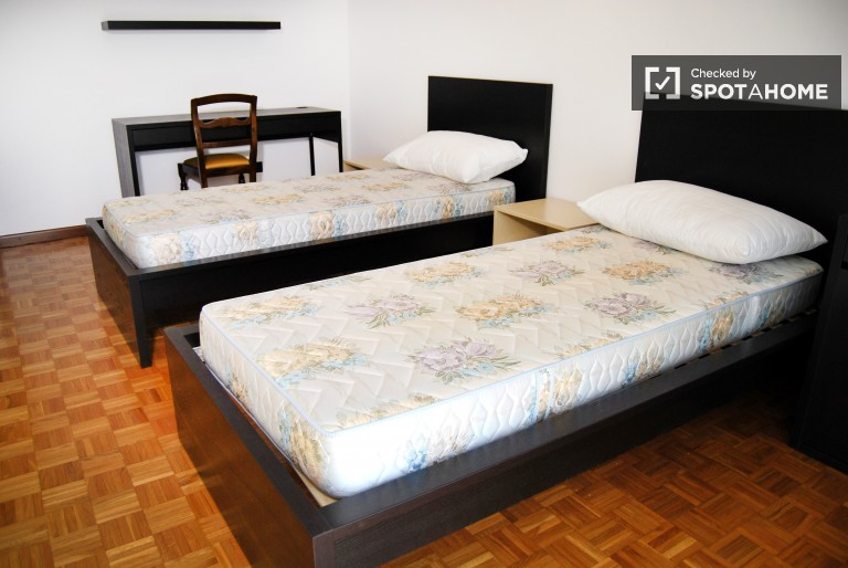 Bedroom 3 - a shared-occupancy room with 2 single beds for rent
