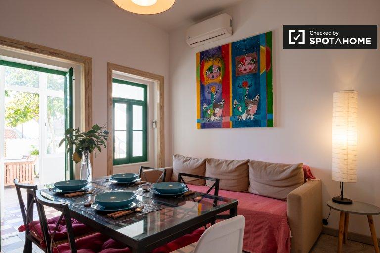 Artsy 2-Zimmer-Wohnung zur Miete in Graça, Lissabon