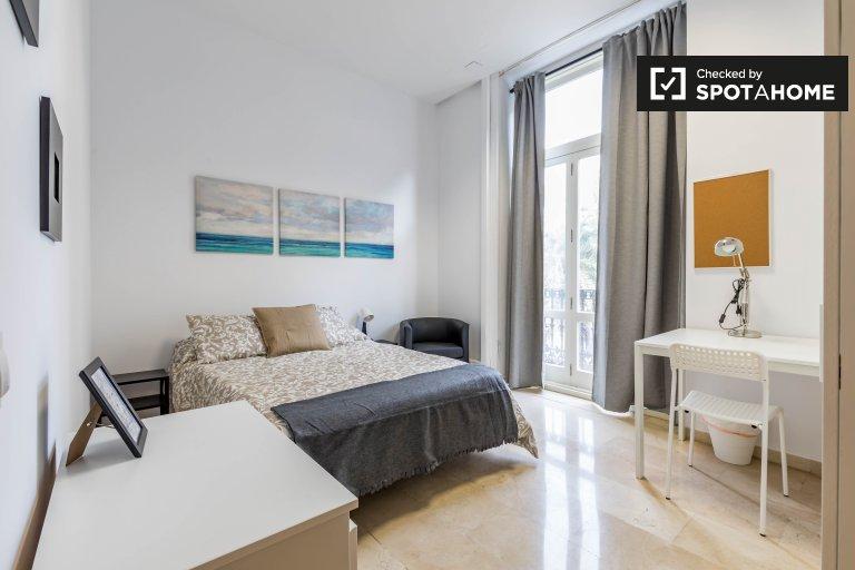 Quarto elegante em apartamento de 7 quartos Ciutat Vella, Valência