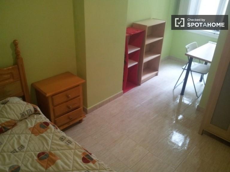 Bedroom 5. Single Bedroom