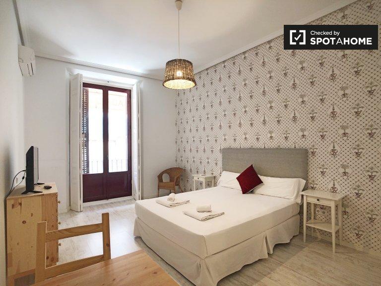 Elegancki apartament z 1 sypialnią do wynajęcia w Centro, Madryt