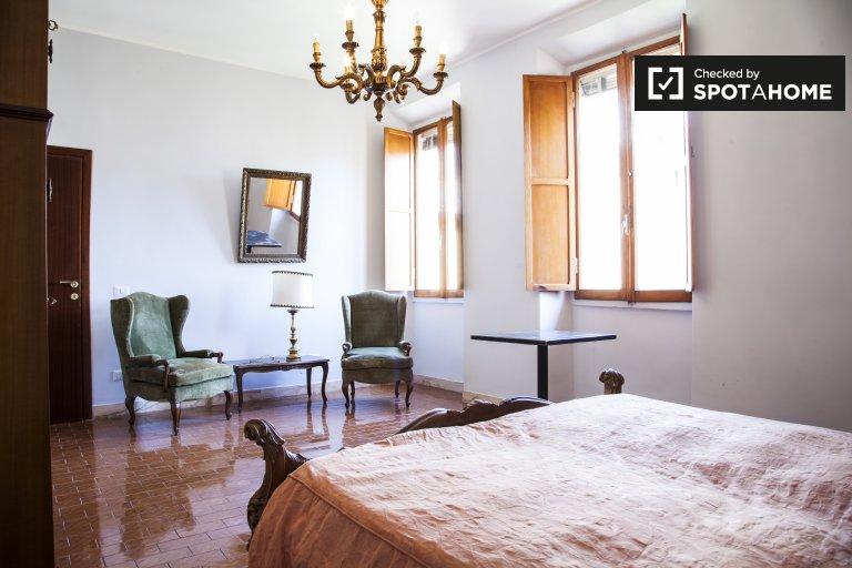 Grande chambre dans un appartement de 2 chambres à Monteverde, Rome