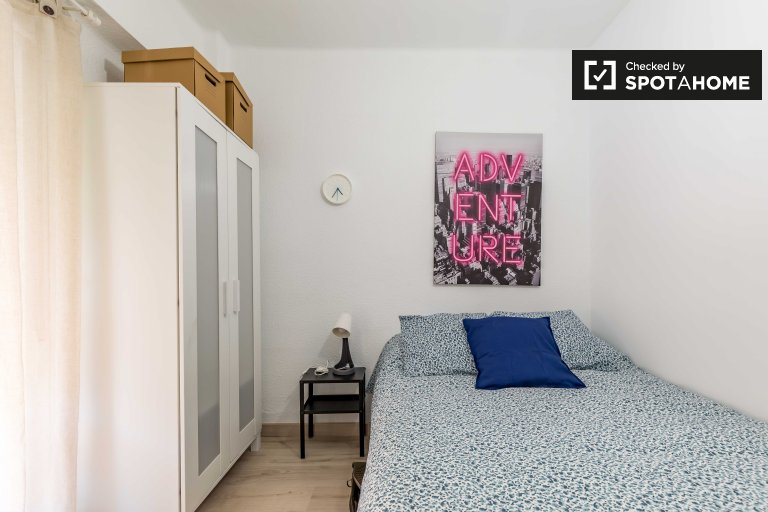 Lovely room for rent in Aiora