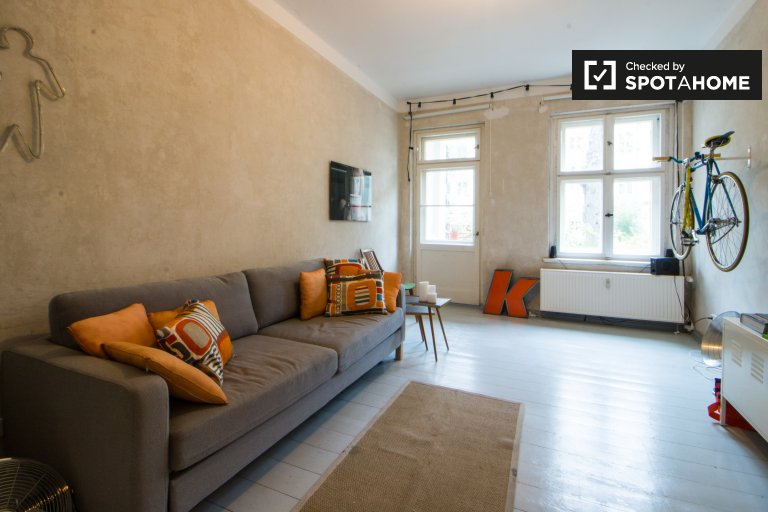 Bohemian 1-bedroom apartment for rent near Humannplatz in Prenzlauer Berg