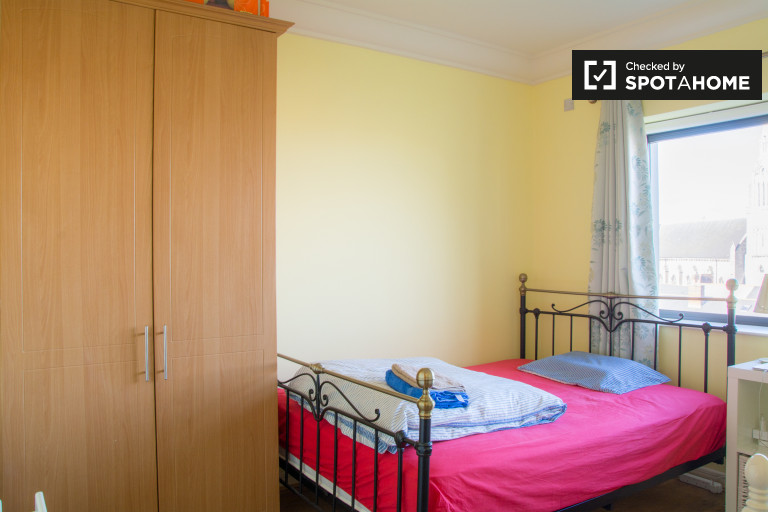 Bedroom 1 with single bed, double bed and ensuite