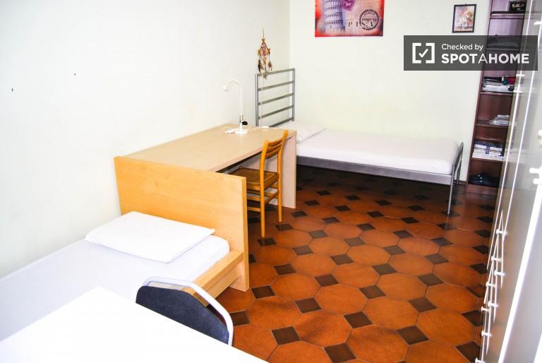 Cama para alugar em apartamento em Città Studi, Milão