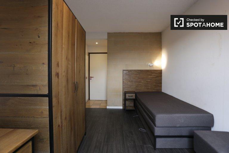 Habitación pintoresca en apartamento en Saint Gilles, Bruselas