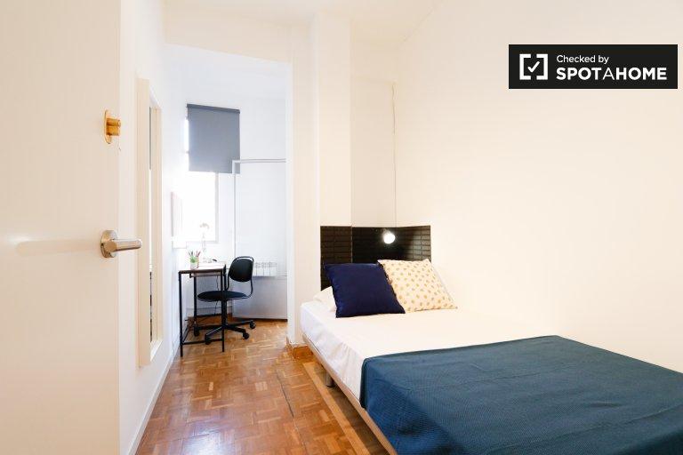 Acogedora habitación en alquiler en Embajadores, Madrid