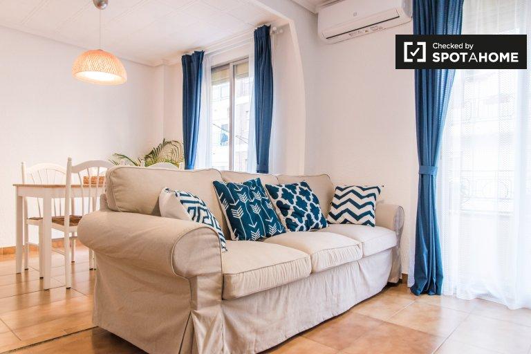 Apartamento de 2 quartos para alugar em En Corts, Valência