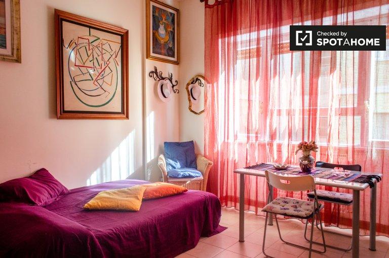 Quarto para alugar em apartamento de 2 quartos, Quartiere Primavalle