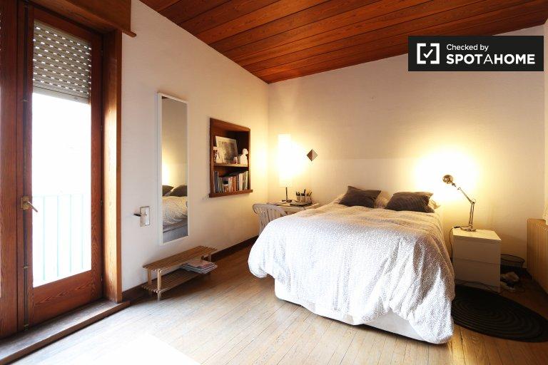Chambre de charme dans un appartement de 4 chambres à Malasaña, Madrid