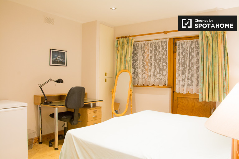 Quarto privado em apartamento compartilhado em Castleknock, Dublin