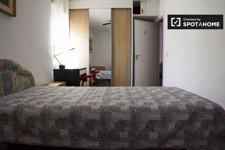 Habitación individual en alquiler, apartamento de 2 dormitorios, Aluche, Madrid