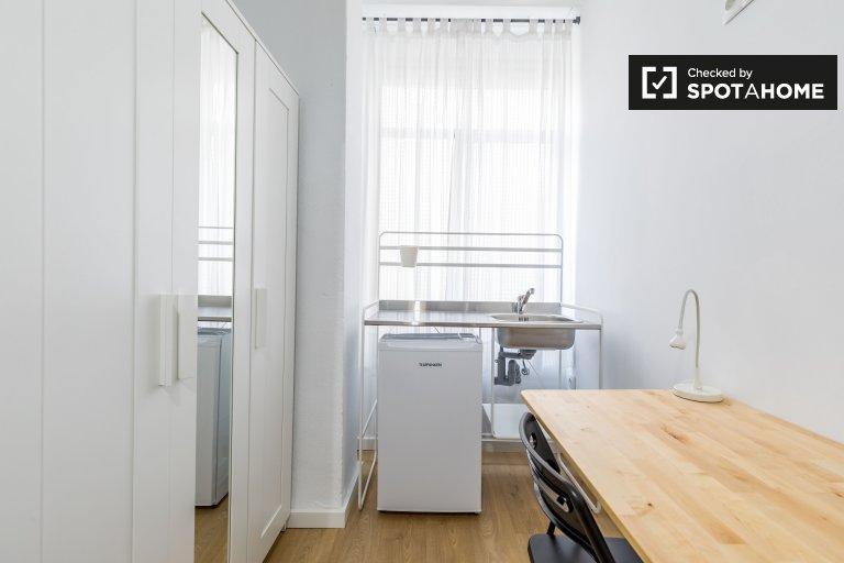 Pokój do wynajęcia w mieszkaniu z 9 sypialniami w Ciutat Vella