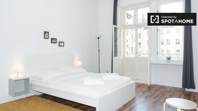 Apartament z 2 sypialniami do wynajęcia we Wedding, Berlin