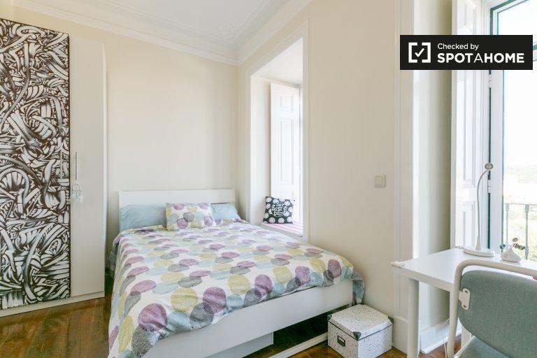 Frische Zimmer zu vermieten, 4-Zimmer-Wohnung, Campo de Ourique