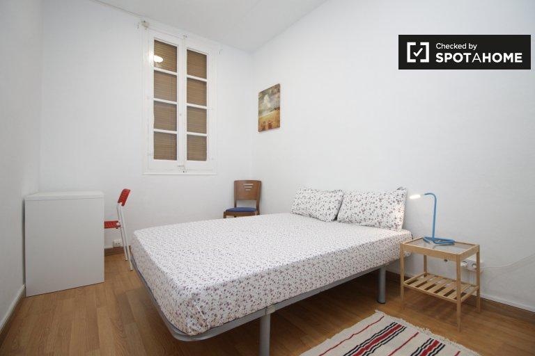 Light room in 2-bedroom apartment in El Raval, Barcelona