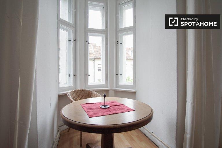 Pokoje do wynajęcia w mieszkaniu 3 pokojowym w Gesundbrunnen, Berlin