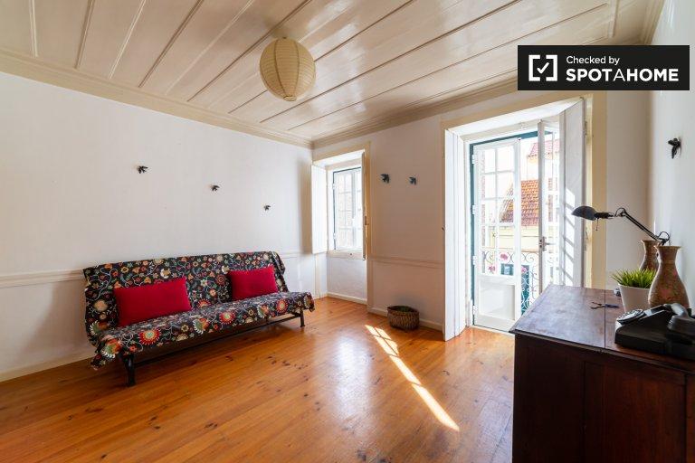 Bright 1-bedroom apartment for rent in Ajuda, Lisbon