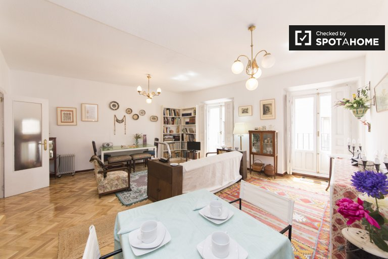 Chic 1-bedroom apartment for rent in Centro, Madrid