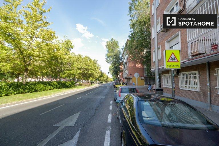 Gemütliches Apartment mit 2 Schlafzimmern in Vicálvaro, Madrid