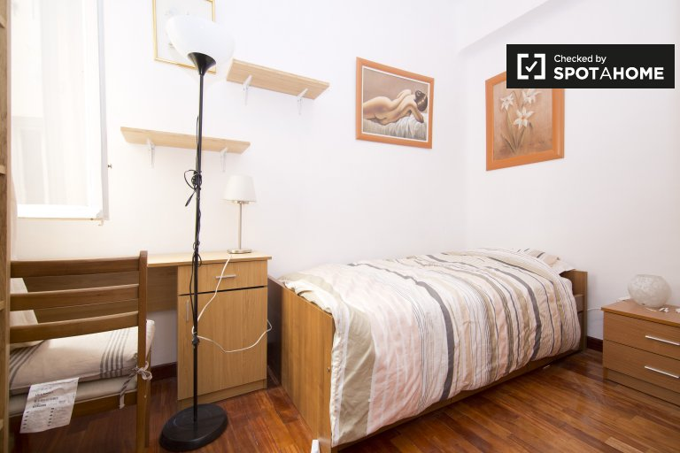 Bedroom H3 - Single Bed