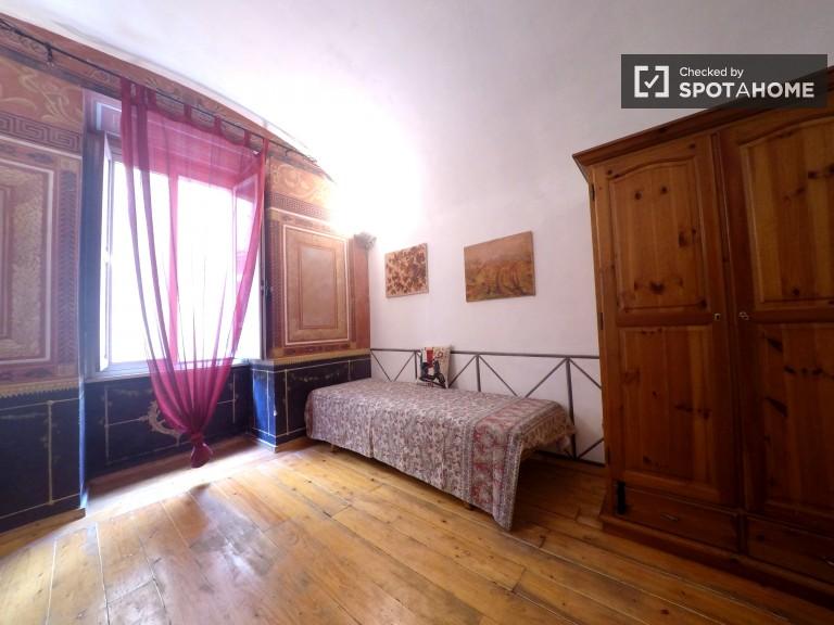 Interior 1-bedroom apartment for rent in San Lorenzo, Rome