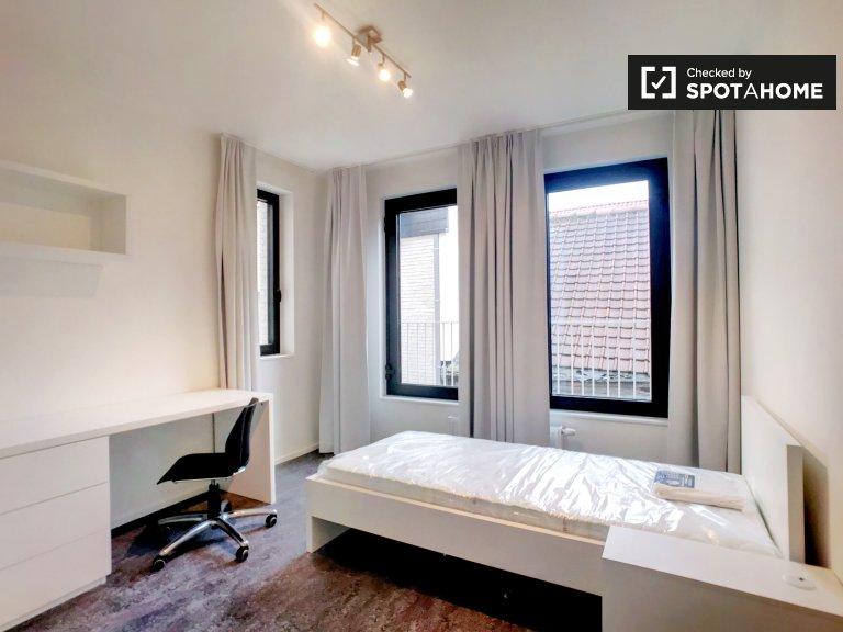 Chambre meublée dans un appartement de 4 chambres à Centre, Bruxelles