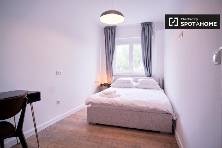 Pokój do wynajęcia, apartament z 3 sypialniami, Neukölln, Berlin