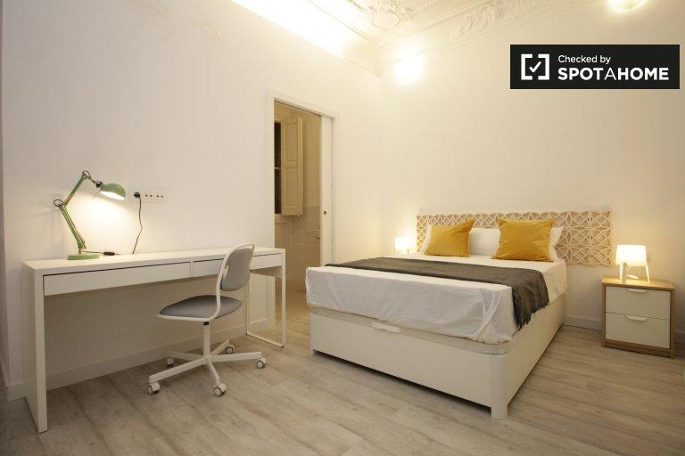 Zimmer zu vermieten in 6-Zimmer-Wohnung, Eixample Dreta