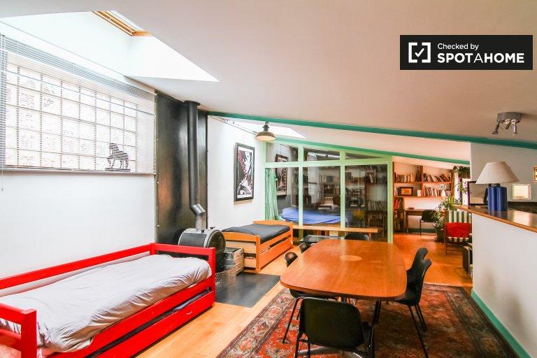 2-pokojowe mieszkanie do wynajęcia w Clichy, Paryż