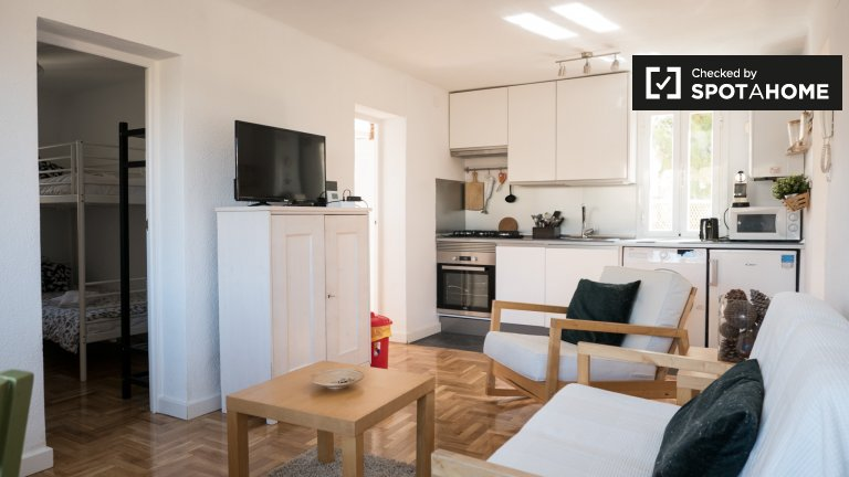 3-bedroom apartment for rent in Usera, Madrid