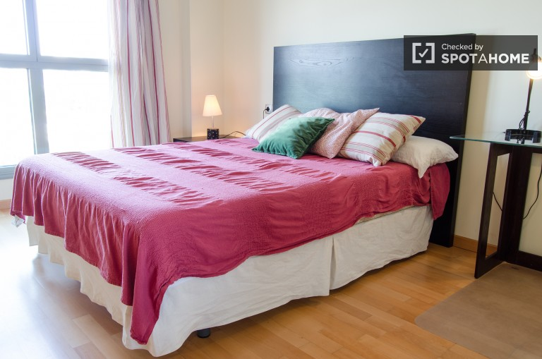 Spacious studio for rent with AC and gym, Valencia