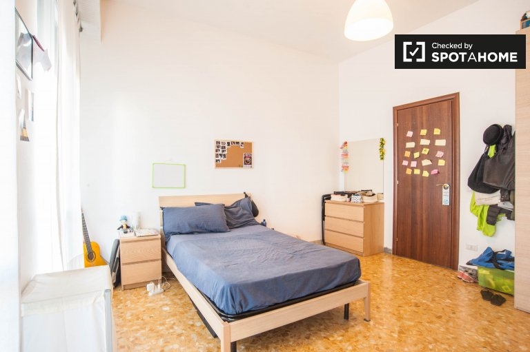 Double Bed in Rooms for rent in furnished 4-bedroom apartment in Tuscolano