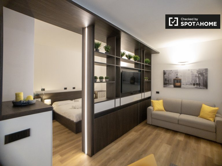 Quiet studio apartment for rent in Brera, Milan