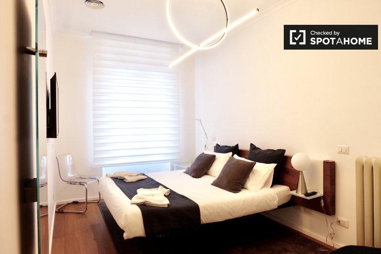 Stilvolles Zimmer zu vermieten in 4-Zimmer-Wohnung in Prati, Rom