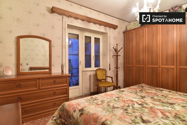 Chambre à louer à 2 chambres à coucher à Portuense, Rome