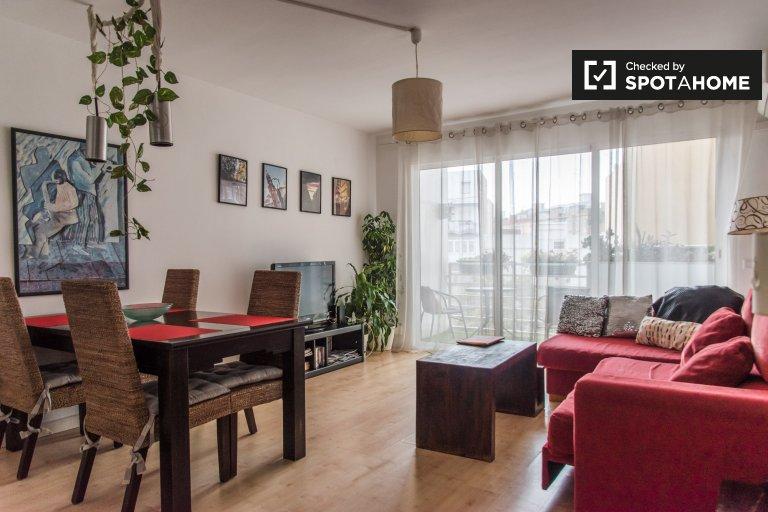 Appartamento alla moda con 3 camere da letto in affitto a Quatre Carreres