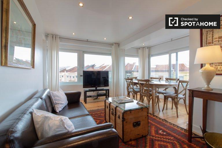 Przestronny apartament z 4 sypialniami do wynajęcia w Lizbonie